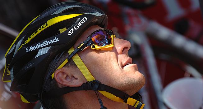 Armstrong sagen i retten efter otte år