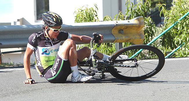 Giro2012 12 etape Fumiyuk Beppu styrt