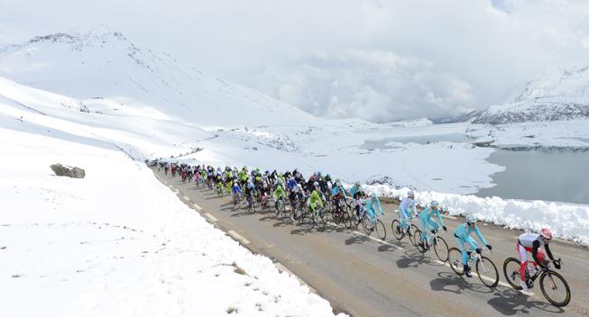 Giro2013 15 etape peloton i sne