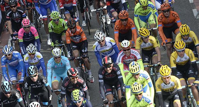 Amstel Gold Race 2015 Michael Valgren i feltet