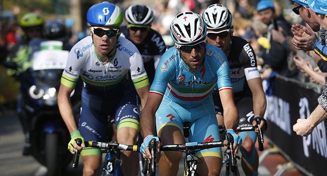 Amstel Gold Race 2015 Vincenzo Nibali og Simon Clarke i udbrud
