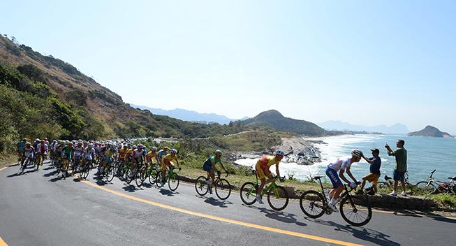 OL Rio2016 peloton ved kysten