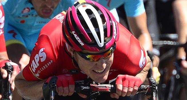 TdU2016 6 etape Lars Bak arbejder
