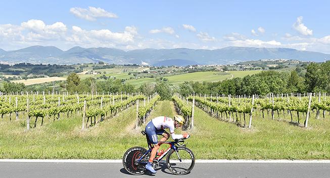 Giro2017 10 etape ITT Kanstantin Siutsou panorama