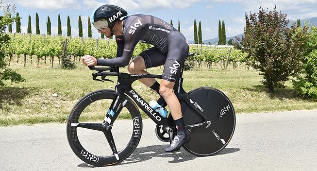 Giro2017 10 etape ITT Team Sky rytter