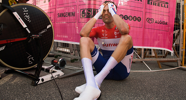 Giro2017 10 etape ITT Tom Dumoulin after race tired