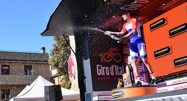Giro2017 10 etape ITT Tom Dumoulin podiet etapesejr champagnebrus