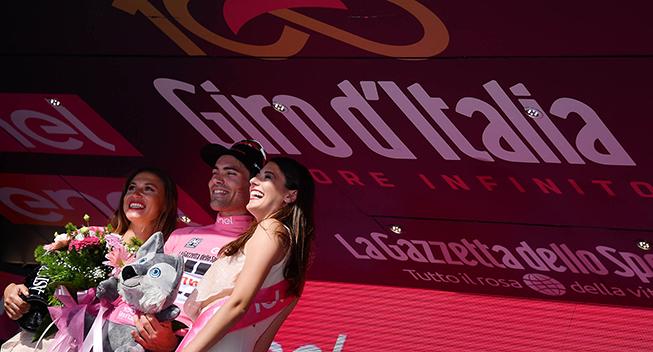 Giro2017 10 etape ITT Tom Dumoulin podiet maglia rosa med podiepiger