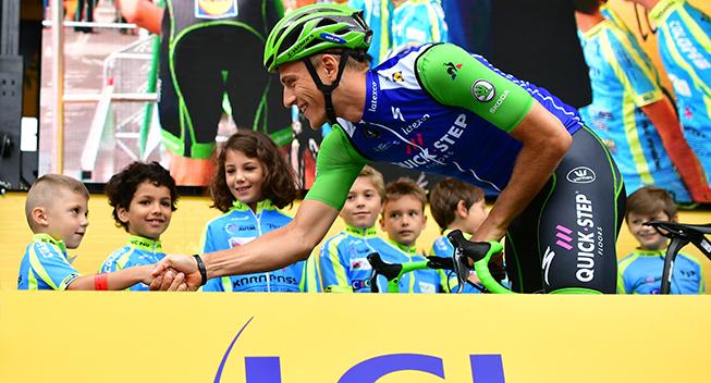 TdF2017 12 etape Marcel Kittel hilser