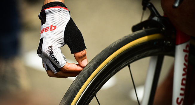 TdF2017 13 etape Team Sunweb handske