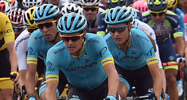 TdF2018 21 etape Jakob Fuglsang og Magnus Cort i feltet