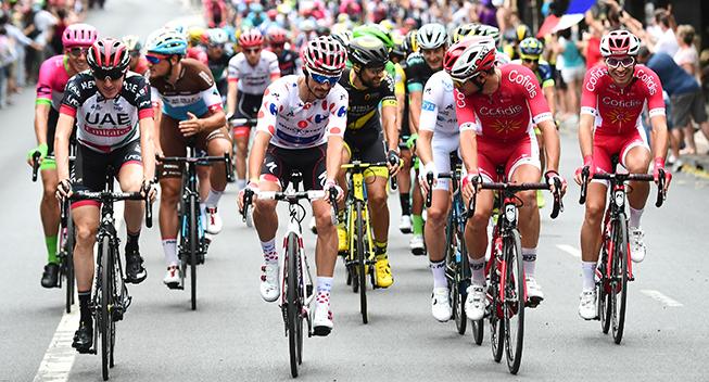 TdF2018 21 etape Julian Alaphilippe i feltet ruller mod Paris