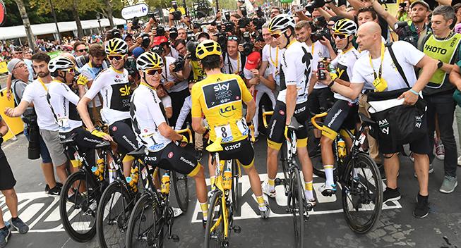 TdF2018 21 etape Team Sky og fotografer