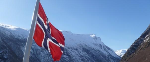 Theos bror bor i Norge