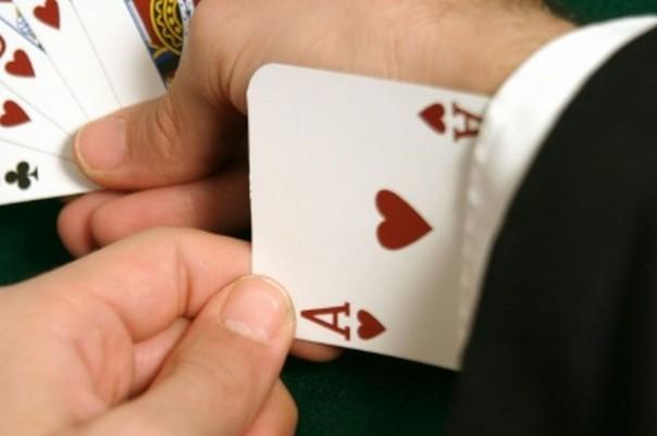 Tournament Leaderbord-spids betalte modspillere for at sidde ude