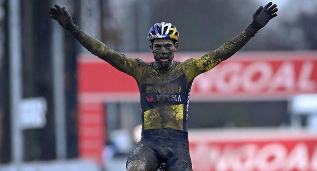 Wout van Aert vinder Zilvermeercross
