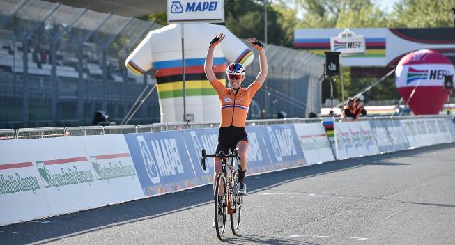 Anna van der Breggen efter dobbelttriumf: Det var en meget hård kamp