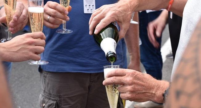 Lotto-Soudal dropper alkohol