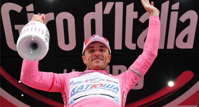 Giro-Feber: Snu Paolini tager både etapesejr og Maglia Rosa