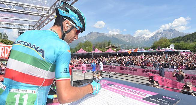 Giro-Feber: Nibali rejser sig i sneklædt kulisse