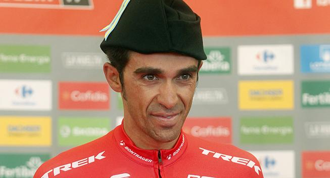 Contador har brækket ribben