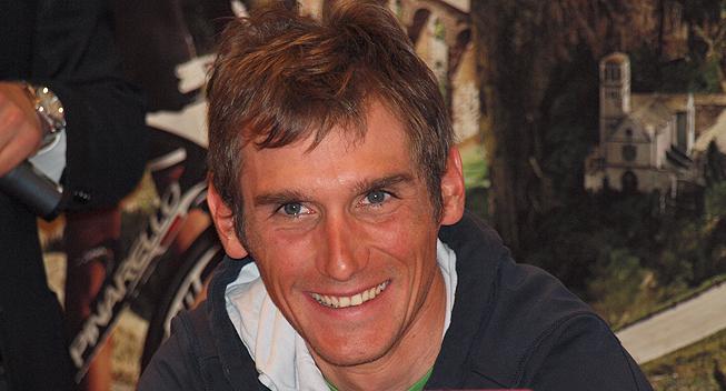 www.feltet.dk/octo_cms/files/Feltet.dk/Billeder/2012/Lob/Giro_d_Italia/Praesentation_030512/Giro2012_praesentation_Roman_Kreuziger.jpg