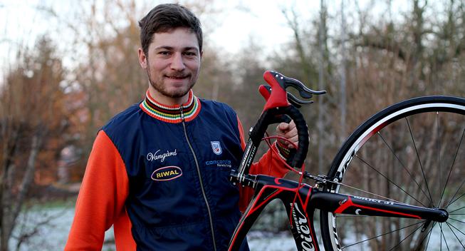 Berling tror på U19-rytterne efter svær sæson: De har et utroligt højt niveau
