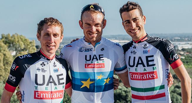 UAE udtager Tour-holdet - Aru gør comeback og stortalent får debut