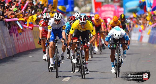 Tre ryttere forlænger med UAE Team Emirates
