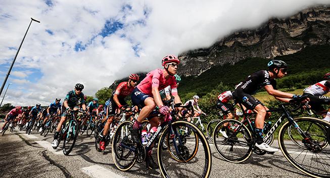 Efter forsøg i Giroen: Flaske- og affaldsregler fortsætter sæsonen ud