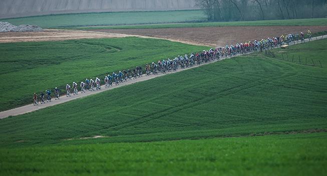 Canyon SRAM-rytter stryger til tops med sent angreb i Belgien