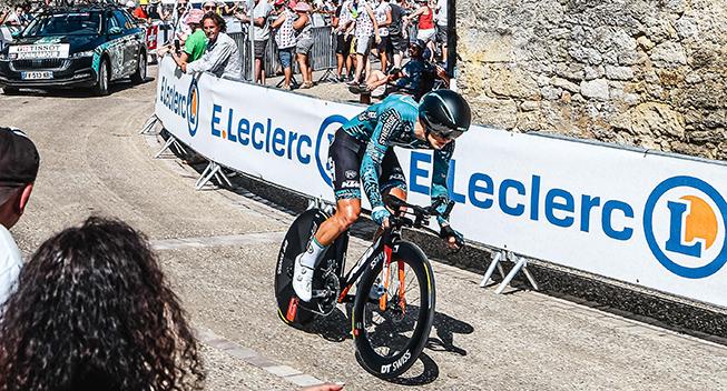 Riwal med i front - Forhenværende WorldTour-rytter snyder favoritterne