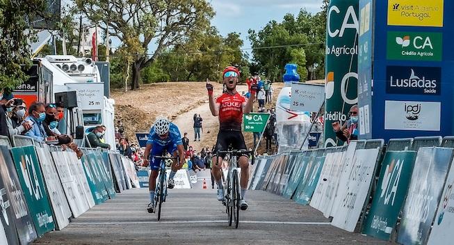 Smuk fransk etapesejr i samlet hjemmebanetriumf - Asgreen på podiet