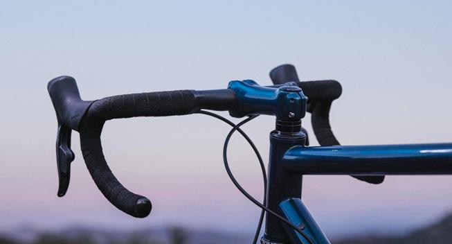 Produktnyt: Cadex udvider samlingen af cykelkomponenter med racerstyr