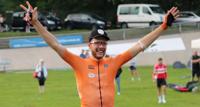 Van Schip tager et skridt ned frem mod OL