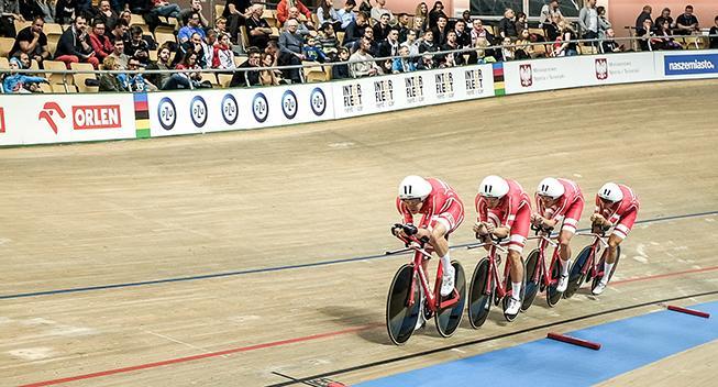Ungt 4000 meter-hold besejret i første runde i Hong Kong