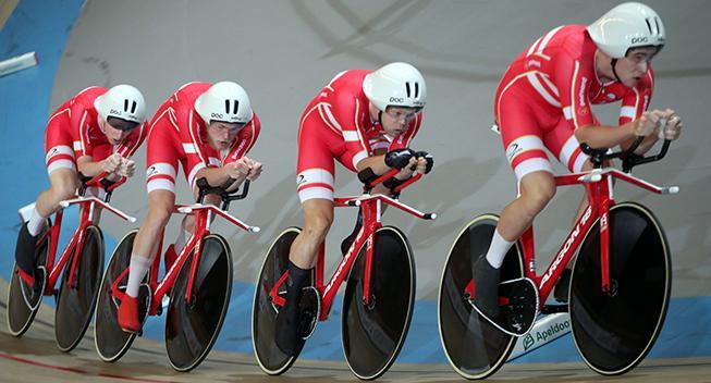 4000 meter-holdet kvalificerer sig videre i Hong Kong