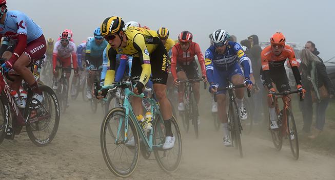 Van Aert og Jumbo-Visma på Roubaix-rekognoscering
