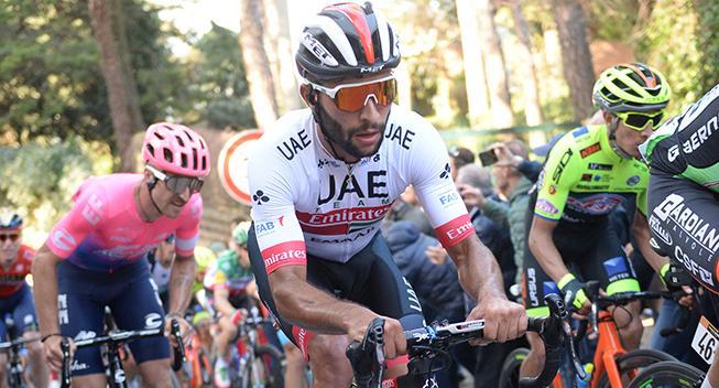 OPDATERET: Gaviria vinder efter Viviani-deklassering i Giro d'Italia