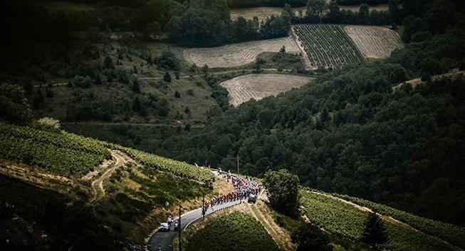 Giro Valle d'Aosta-etape ender i stor farce