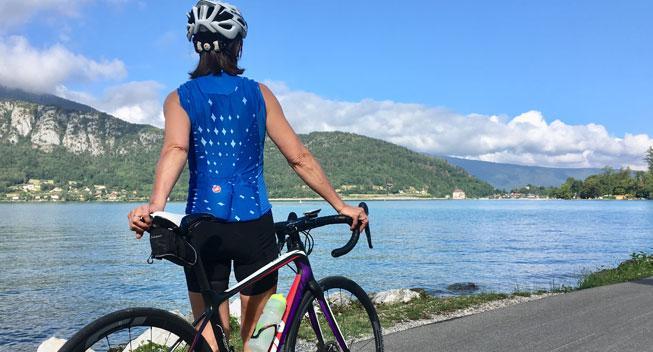 På cykel i franske alpine omgivelser
